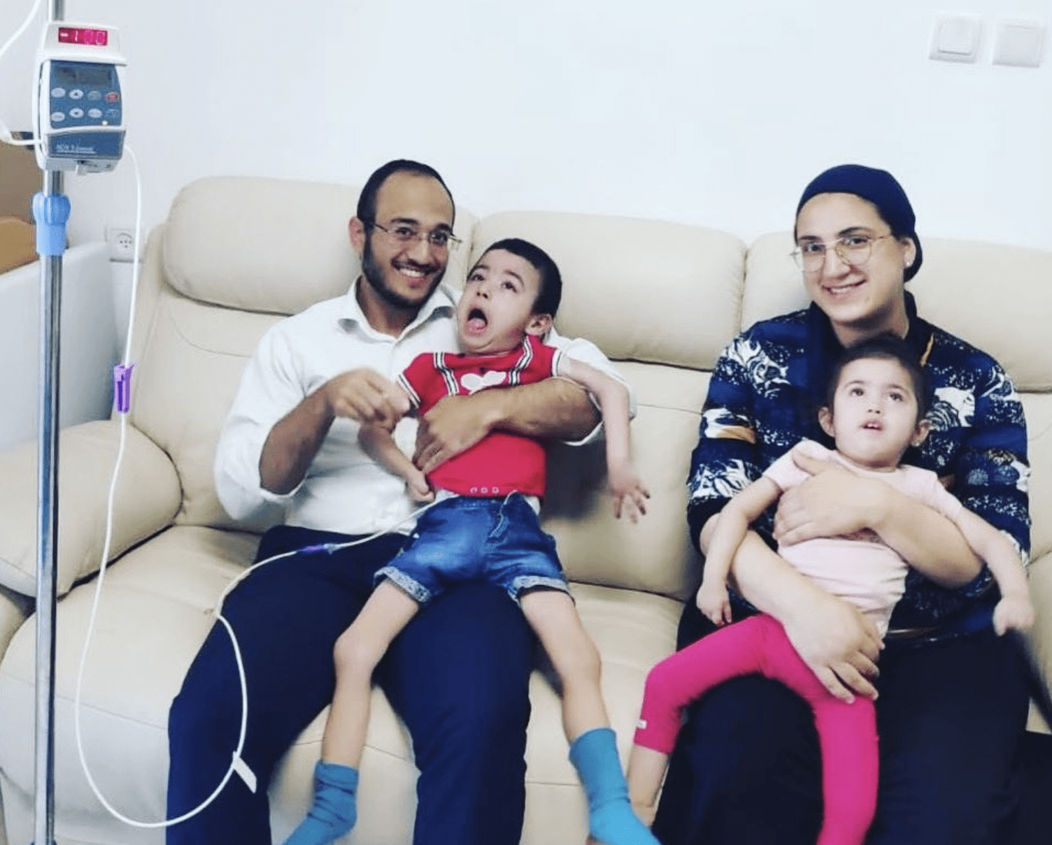The brothers Meir and Yehudit with childhood parkinsons will improve
