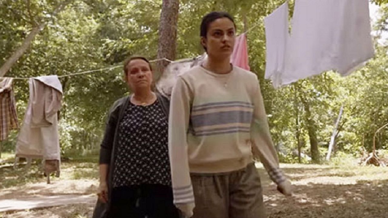 The movie Coyote Lake shows toxic relationships between parents and